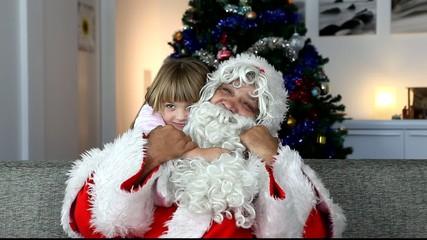 Père Noël avec fillette