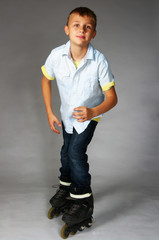 tween boy rollerblading