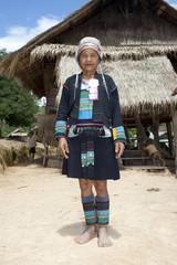 Asiatische Frau Akha in Tracht, Laos