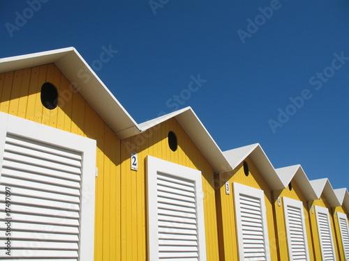 Vacances la plage cabines de bains en bois de pasc06 for Plan cabine de plage en bois