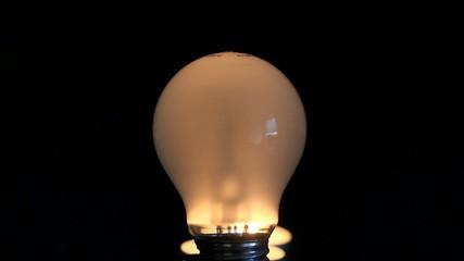 Flackernde Glühbirne
