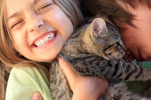 bonheur partagé avec le chat - 17528000