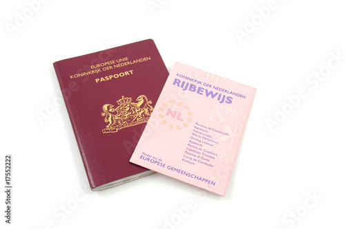 Dutch Drivers licence and passportparapharmaceutics