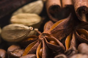 aroma coffe. ingredients. coffe beens, anise, vanilla, cardamon,