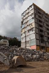 Immeuble partiellement détruit