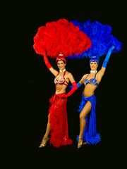 vegas showgirls dancing