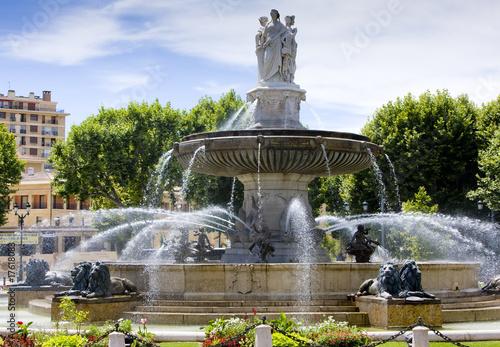 fountain at La Rotonde, Aix-en-Provence, Provence, France - 17618083