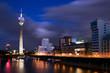 Blaue Stunde in Düsseldorf - 17727861