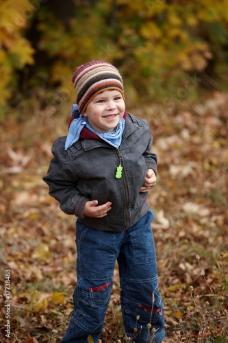 Kid outdoor in autumn