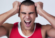 homme sportif muslé stress colère