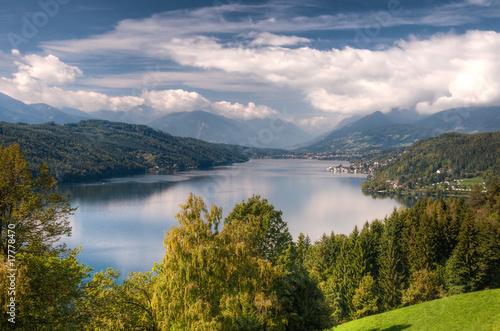 Fotobehang Alpen Millstättersee lake Millstatt Austria