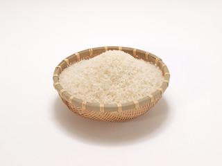 ザルに入った米
