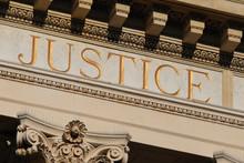 de menselijke gerechtigheid