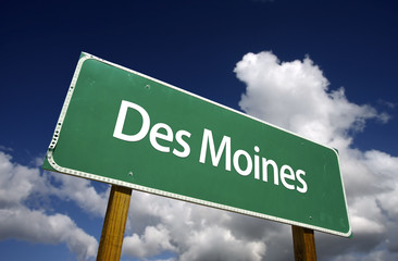 Des Moines Green Road Sign