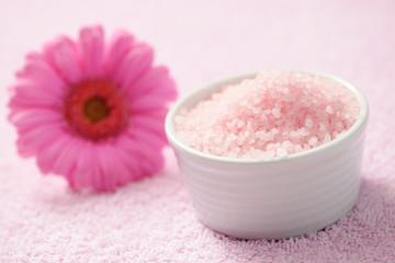 bath salt with gerbera