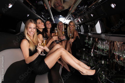 party in der strech limousine
