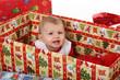 Baby im Karton