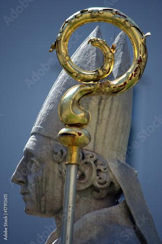 statua di Papa di profilo - 17913615