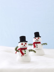 home decor, snowman's made of yarn