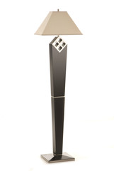 Lámpara minimalista de madera.