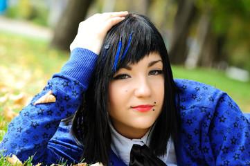 blue-eyed  brunette