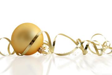 Boule de Noël et ruban doré