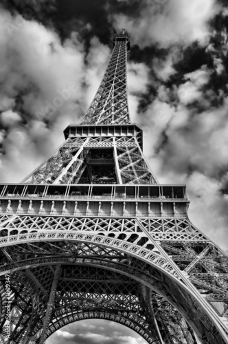 Black and White Picture of the Eiffel Tower - 18093478