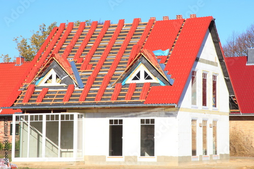 neubau einfamilienhaus dachfannen rote dachziegel von. Black Bedroom Furniture Sets. Home Design Ideas