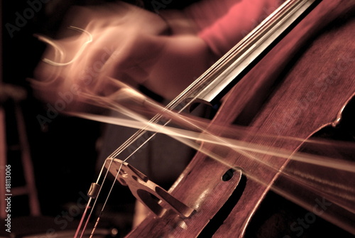 Cello Being Played - 18113006