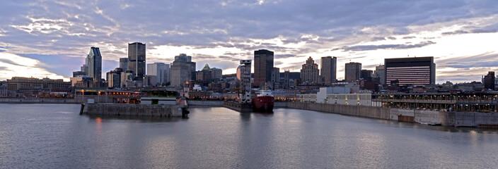 Panorama Montreal waterfront