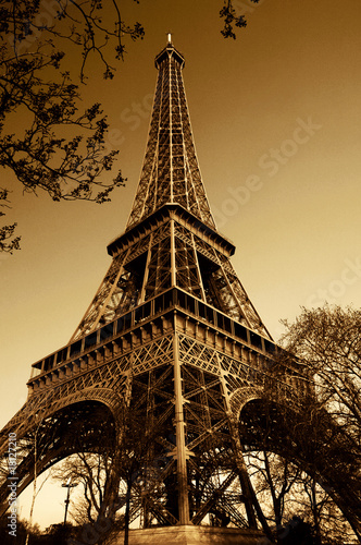 Vintage Eiffel Tower (Paris, France)