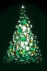 Creative backlit glass pebble christmas tree