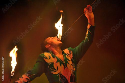 Leinwanddruck Bild Feuerspucken, Feuerschluck er, Feuershow,
