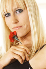 blonde with single flower