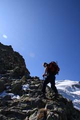alpinista nei pressi del rifugio Tierbergli