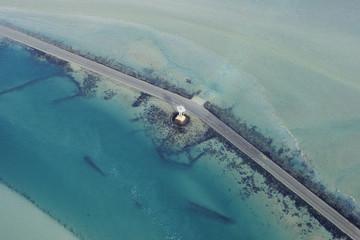 Photo aérienne du passage du Gois à marrée haute