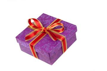 Geschenk mit Rot Schleife,freigestellt