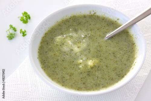 broccoli suppe mit sauerrahm