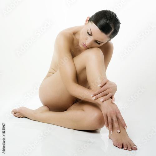 Papiers peints Akt jeune caucasienne nue relaxation relachement