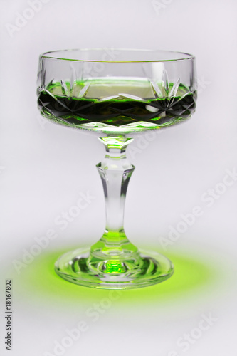 Crystal glass with absynth