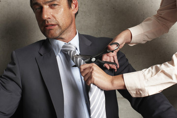 Cutting a tie
