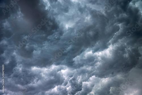 Sturm, Gewitterwolken - 18479889
