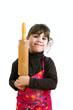 Mädchen mit erhobenen Nudelholz