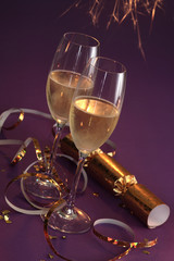 Silvester, Sektglaeser,Kanallbonbons in gold Tischfeuerwerk