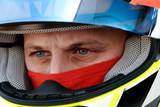 Fototapety regard concentré d'un pilote de course automobile
