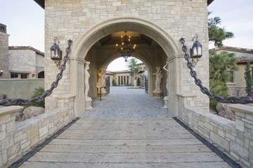 Stone gateway to Palm Springs home