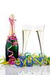 Sekt Champagner Flasche mit Gläsern im Karneval