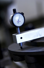 Metal cutting gauge