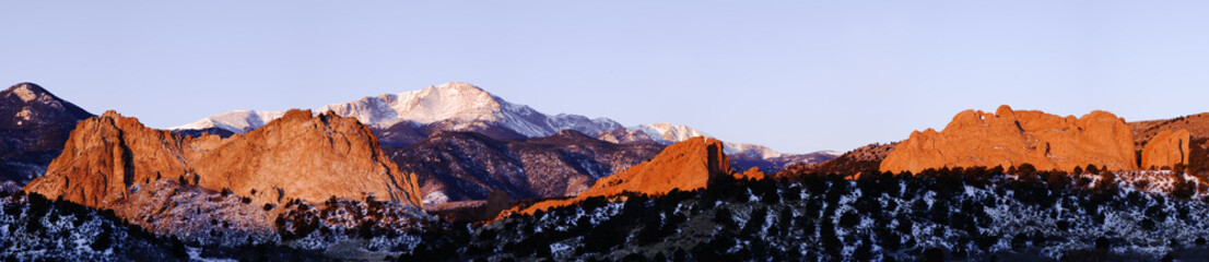 Garden of the Gods and Pikes Peak © Casey Chinn