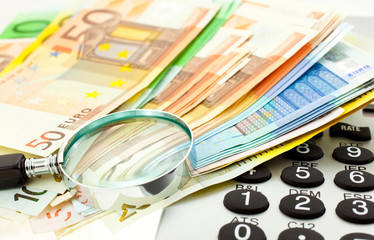 Euro Notes with calculator and magnifier